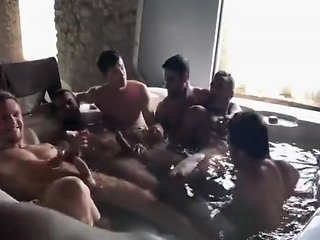 Hot hunks sucking again other in a Hot Tub look to jacuzzi gay