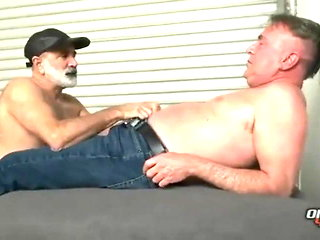 daddy (gay) blowjob (gay)