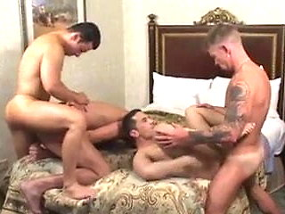 group sex (gay) bareback (gay)